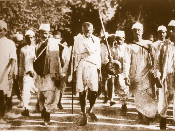 Gandhi-Leading-the-Dandi-Salt-March-in-1930