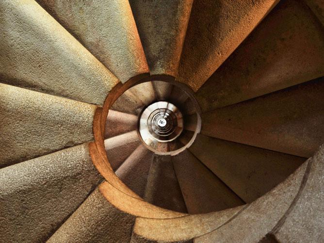 Spiraling-Staircase